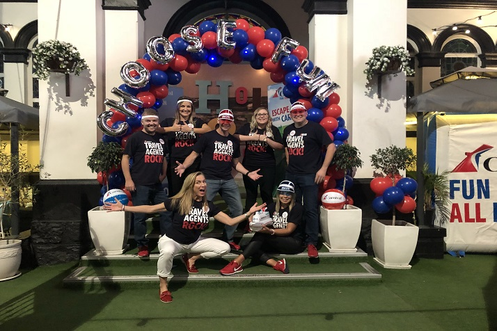 Travel Agents Celebrate Carnival Cruise Line's Biggest Program Launch With a Hole In One