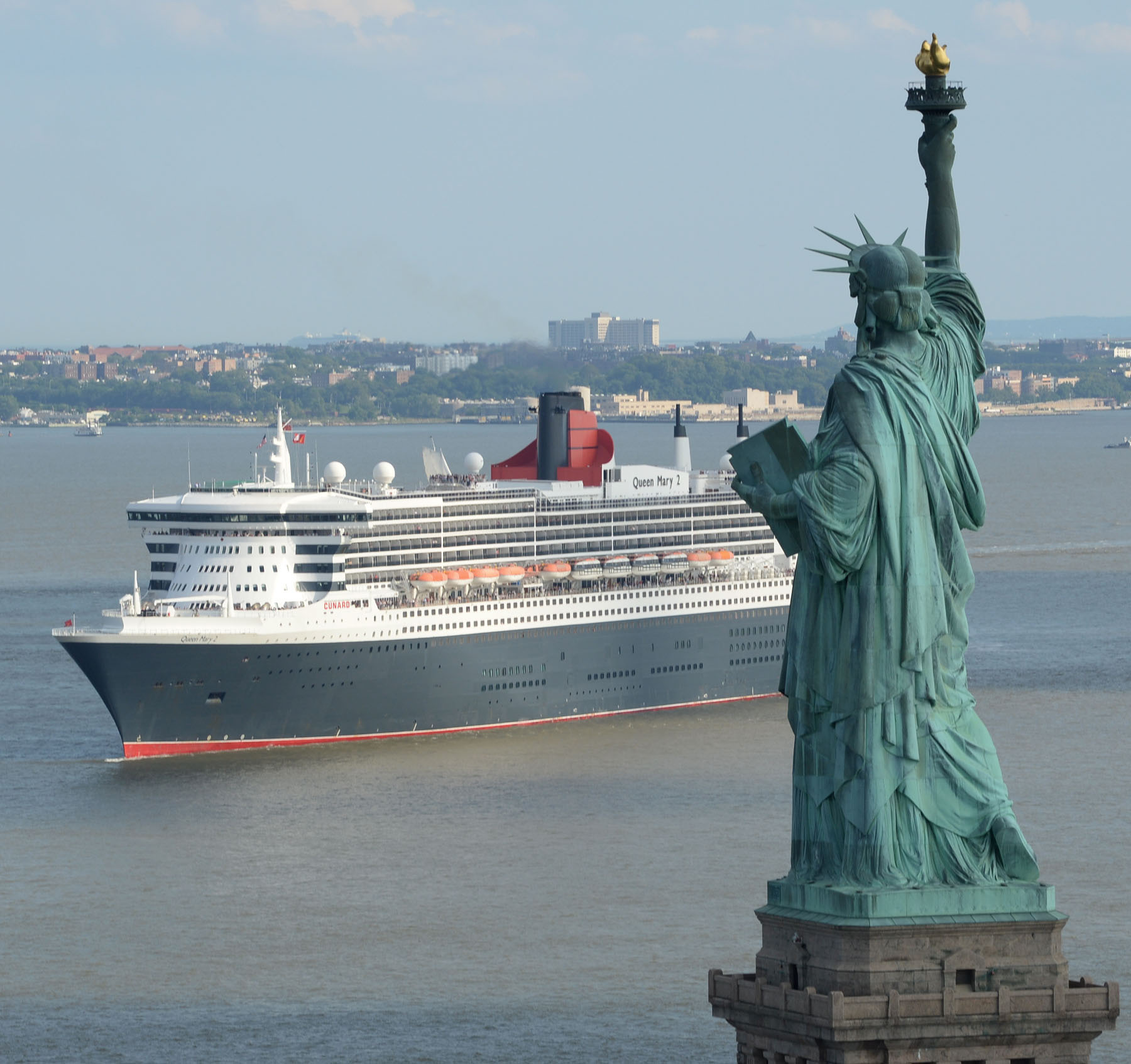 200 AND COUNTING! Queen Mary 2 celebrates 200th Atlantic crossing
